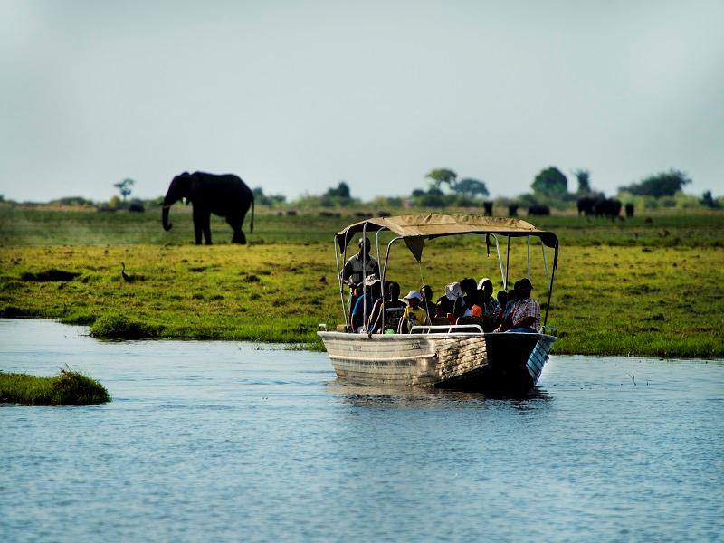 imbarcazione per fiume in Africa